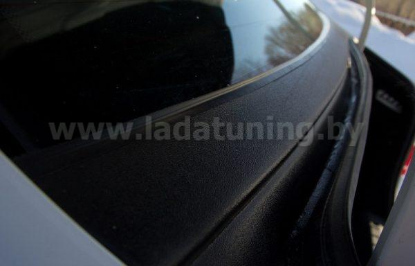 Накладка в проём заднего стекла (Жабо) LADA Vesta Sedan (Лада Веста Седан) с 2012 г.в. Установка без скотча!