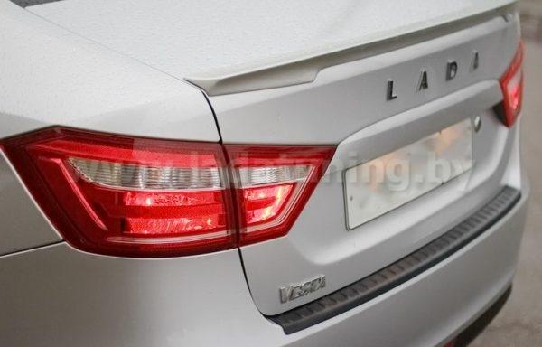 Накладка на задний бампер LADA Vesta Sedan SW (Лада Веста седан и универсал) с 2016 г.в.