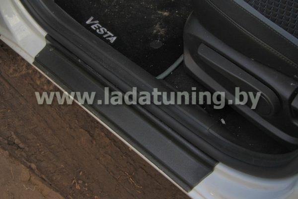 Накладка в проем дверей для Lada Vesta Sedan