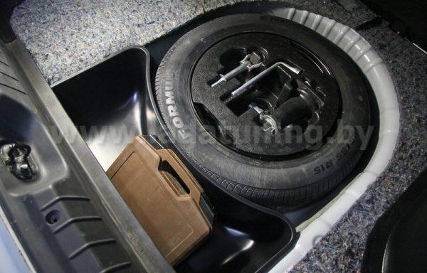 Органайзер Нижний в обхват запасного колеса для LADA Vesta Sedan (Лада Веста Cедан) с 2016 г.в.